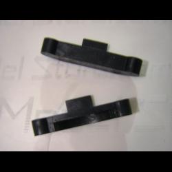 AG10 fissaggio braccetti posteriori