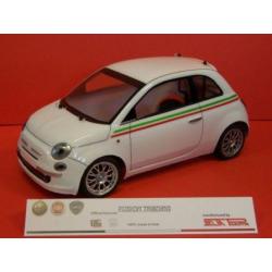 Delta Plastik Carrozzeria Fiat Nuova 500 con adesivi (1/10-200)