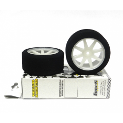 Enneti Front Touring Car 1/10 Mounted on Light Rims (37 Shore)